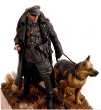 Free Shipping 1/16 Scale Unpainted Resin Figure World War II German army collection figure