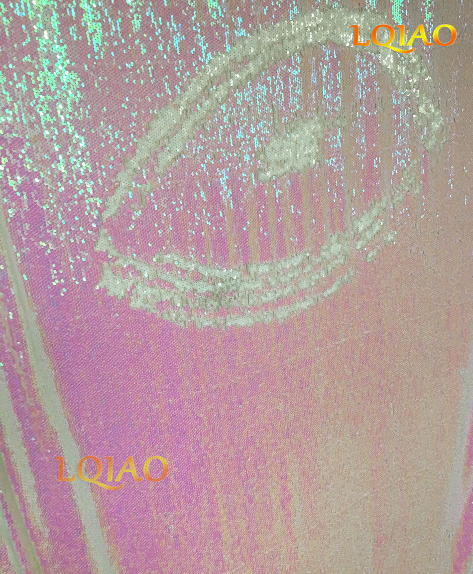 Changed White Reversible Sequin Backdrop-009