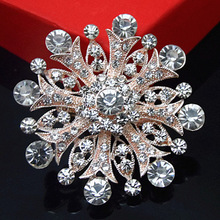 Retail Hot Sale Cheap Crystal Flower Brooch Fancy Rose Gold Color Bridesmaid Dress Big Snowflake Brooch Pins Retail Brooch