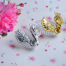 20pcs/lot Cute Mini Swan Candy Box Silver/Golden Color Special Romatic Wedding Decoration Creative Plastic Storage Deco(China)
