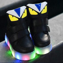 2017 European fashion baby shoes high quality LED light cool baby kids glowing sneakers cute baby boots free shipping(China)