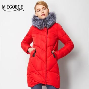 Miegofce 2016 nueva colección de invierno de las mujeres chaqueta abajo capa caliente alta Calidad de la Mujer de Down Parka Abrigo de Invierno con Silver Fox de piel