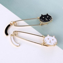 Creative Cute Little Kitten Wagging Tail Kitten Black And White Cat Brooch Commemorating Cat Child's Birthday Gift(China)