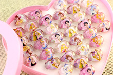 36pc/box Disny Acrylic Cartoon Princess Snowwhite Heart-shaped Crystal Kids Finger Rings Party Costume Birthday Party Favor Gift