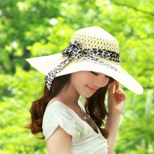 Women Summer Sun Hats Wide Brim Straw Hats Sea Beach Casual Elegant Vacation Tour Hat with Leopard Ribbon Fashion Caps(China)