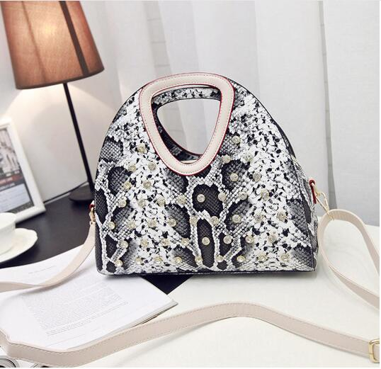 2017 Colorful Serpentine Women Handbags Designer Shell Bag Ladies High Quality Pu Leather Tote Female Python Skin Handbag B089<br><br>Aliexpress