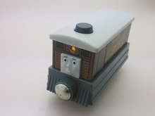 NEW WOODEN THOMAS friend The Tank Engine Train- TOBY noise light TALKING