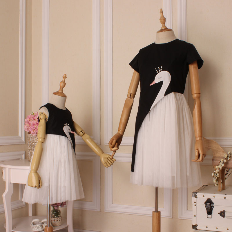 Summer children clothes women girls family matching clothing family look mother daughter dresses White Swan Girls party dresses<br>