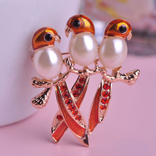 Simulated Pearl Birds Brooch Gold-color Metal Alloy Broche Animal Shirts Clips Badge Icon With Pin Crystal Red Lovely Gifts