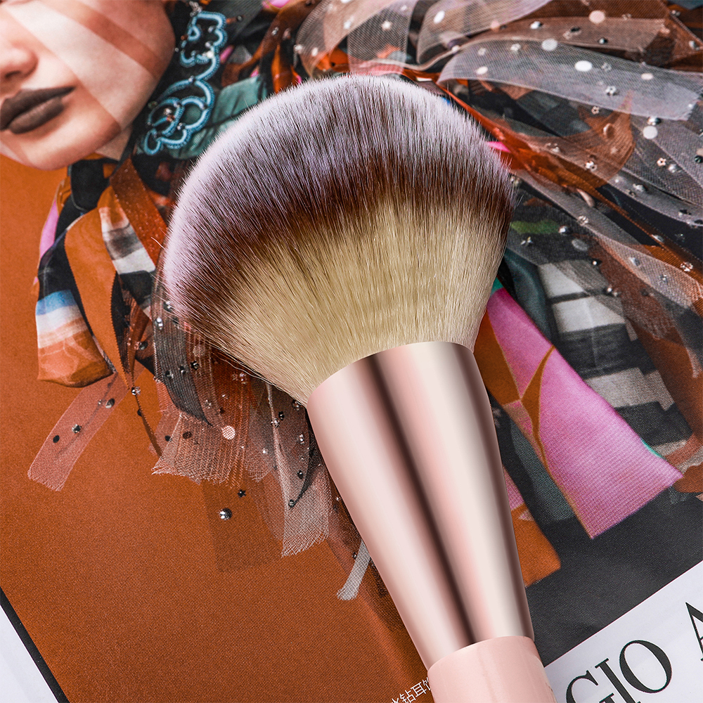 Kabuki Foundation Makeup Brush 20