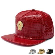 2016 de lujo de cuero de imitación Faraón Logo gorras de béisbol de  diamante de oro del grano del cocodrilo hombres mujeres snap. 0eb642a5a52