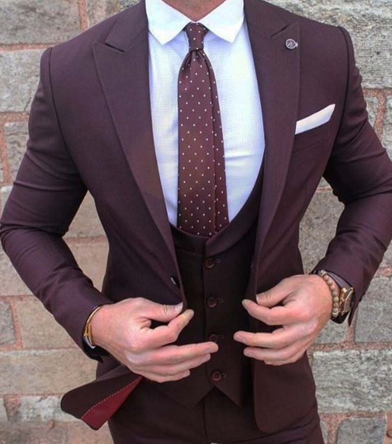 New Style Burgundy Groom Wear Tuxedos 3 Pieces Wedding Suits Groomsmen Best Man (Jacket+Pants+vest) Formal Business Suit for Men