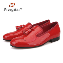 Piergitar 2018 Two colors Patent Leather Men Dress Shoes Handmade Tassel men's loafers Party and wedding men shoes plus size(China)