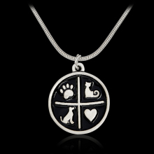 I Love Dog Cat Kitten Round Pendant Necklace Black Heart Dog Paw Animal Pet Necklaces For Owner Women Men Fashion Jewelry Gift