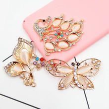 DOWER ME 3 Pcs/lot Fashion DIY Decorations Mixed animal modeling Alloy multicolored rhinestone Women's Mobile Phone Stickers(China)