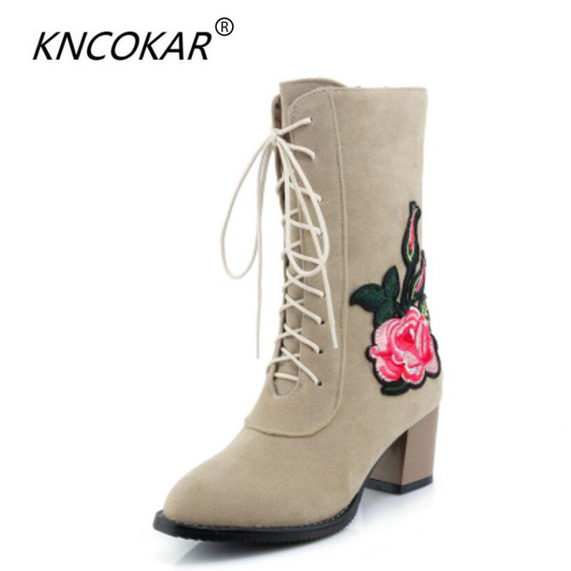 2017 New retro national style with Martin boots, British style embroidery pointed womens shoes, lace embroidered boots hot sale<br>