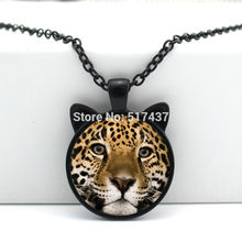 2017 New hot New Leopard Necklace Leopard Pendant Jewelry Glass Photo Cabochon Necklace CN-00445