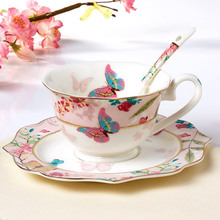 2017 New Style Fashion British Style Bone China Coffee Cup Saucer Spoon Set Butterfly Office Flower Tea Cup Coffee Mug