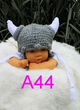 free shipping,baby hat Beanie , children's handmade crochet vikings ox horn hat , newborn Photo props 100% cotton Children's hat(China)