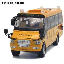 1:32 Scale Big Size America School Bus Diecast Metal Car Pull Back Autos a Escala Boys Collection Flashing Model Cars Toys(China)