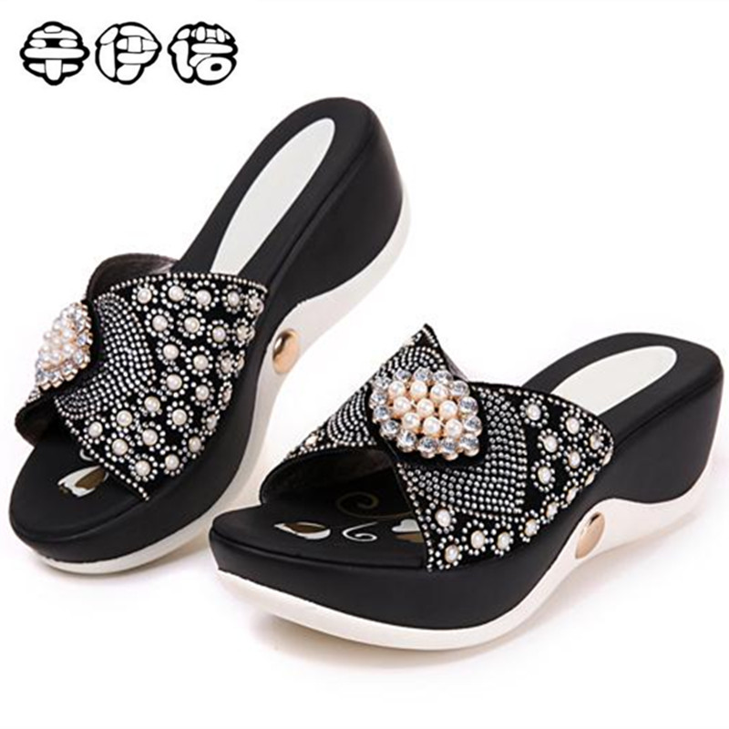 2017 SUMMER  WOMEN SANDALS COMFORTABLE GENUINE LEATHER FASHION WOMEN CASUAL SHOES SANDALS PLUS SIZE 35--42 Diamond high-heeled<br>