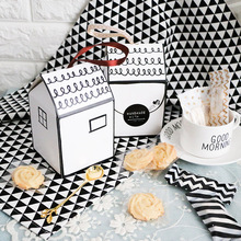 50pcs/lot Small House Paper Candy Box Wedding Gift Party Favors Boxes New Year