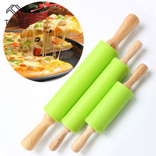 TTLIFE 2016 Hot Selling Home Decoration Kitchen Cooking Tools Wood Handle Green Silicone Rolling Pins Three Size Free Shipping