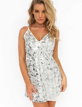 QMGOOD Club Sexy Sequins Dress Spaghettg Strap Mids Waist Dresses Summer European Woman Nightclubs Clothing Gold and Silver S-XL