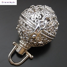 Round Small Charms Metal Photo Boxing Fragrance Essential Oil Aromatherapy Diffuser Perfume Women Hollow Locket Pendant(China)