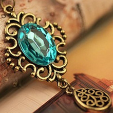 Xl032 Cheap Korean Fashion Small Fresh Temperament Retro Hollow Blue Crystal Pendant Necklace Long Necklace For Women Jewelry