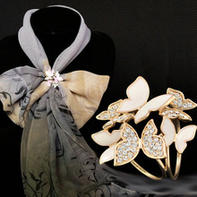 OneckOha Fashionable Rhinestone Brooch Pin Butterfly Scarf Clip White Expoyed Butterfly Pashmina Loop(China)