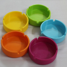 Colorful Friendly Heat-resistant Silicone Ashtray for Home novelty crafts pocket ashtrays for cigarettes cool gadgets ash tray(China)
