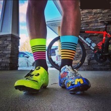 2017 New DH Sport Cycling Socks Men Women Professional Breathable Sports Bike Socks