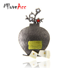 MloveAcc Vintage Brooch Antique Finish Hot Sale Metal Vase Pins Shell Flower Bottle Brooches Casual Party Jewelry