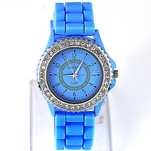 Hot Sales Popular Candy Colors Girl Women's Quartz Fashion Geneva Crystal Watch Silicon Jelly Wrist Watch NO181 5UWQ(China)