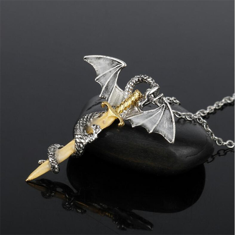 YWOSPX-Luminous-Jewelry-Dragon-Sword-Game-Of-Throne-Pendant-Necklace-Glow-In-The-Dark-Anime-Necklaces (1)