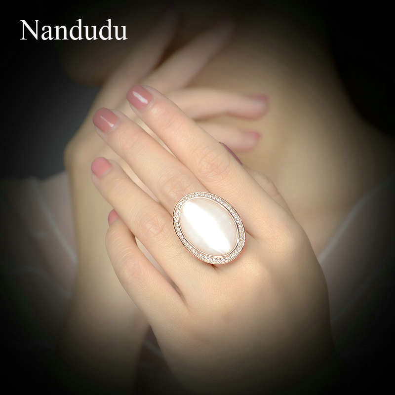 Nandudu Little Crystal Lace & Big Round Cream Opal Gentlewoman Antique Rings for Women Noblewoman Fashion Jewelry Gift R1818