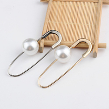 1PC Chic Charm Simulated Pearl Brooch Pin For Women Korean Safety Piercing Lapel Pin Suit Collar Rhinestone Pin Brooches Jewelry(China)