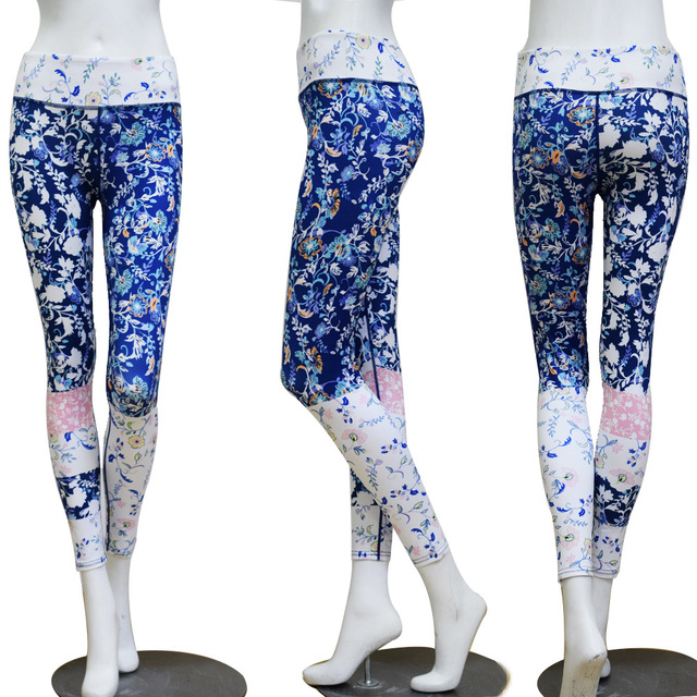 Yoga Clothing Set for Women with Floral Prints