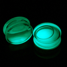 2PCS Acrylic Glow In Dark Ear Plugs and Tunnels Liquid Transparent Ear Flesh Strercher Body Jewelry Gauges Expander Piercings