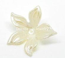 "DoreenBeads 100PCs Beige Flower Acrylic Spacer Beads 28mm(1 1/8"").(B19673), yiwu(China)"