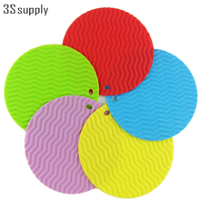 Wavy Silicone Potholder Round Non-Slip Tableware Table Mat Dish Pot Pad New Hook Design Silicone Placemat Cup Coasters Place Mat