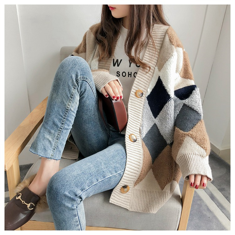 Colorfaith Women's Sweaters Autumn Winter 19 fashionable Casual Plaid V-Neck Cardigans Single Breasted Puff Sleeve Loose SW658 5