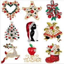 1Pcs 25 Kinds The High-end Series Of Christmas Bell Santa Elk Christmas Tree Stars Penguin Ornament Brooches A162
