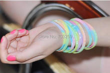 "500pcs 6mm width customized rubber hand bands 1/4"" silicone bracelets cheap personalize writing on silicone wristbands(China)"