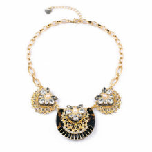 Decent Elegant Female Daily Accessories Charm Gold Color Crystal Flower Leopard Necklace