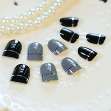 Kawaii Grey Black false nails 24pcs Solid with Line coffin nails in acrylic box Oval Full Short Nail Art Tips with Design
