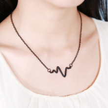 Simple black gold silver electrocardiogram lightning personality lovers clavicle chain necklace(China)