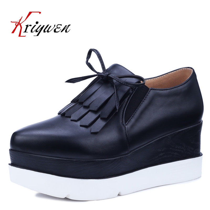 New Women Casual platform Flats Heels pointed Toe Black white rubber soles Shoes Autumn Comfortable tassel retro Women Shoes<br><br>Aliexpress