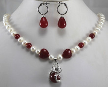 fashion designed 8mm white shell pearl decrorated with red jades necklace mathed earrings dotted with dragon pendant sets